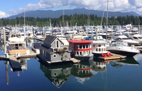 Cute house-boats at the Vancouver harbor