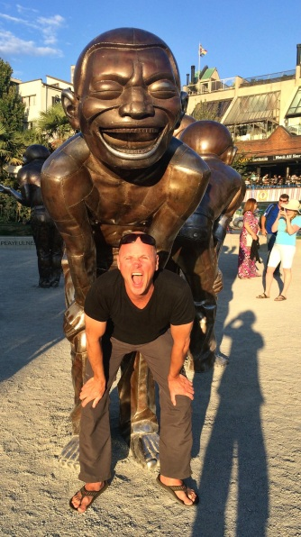 Laughing sculpture