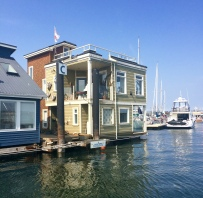 Float homes, Victoria Harbour