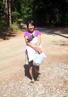 Yasuko carrying laundry
