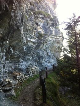 A steep, winding path to Fadärastein