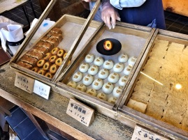 Snack selling in Koyasan
