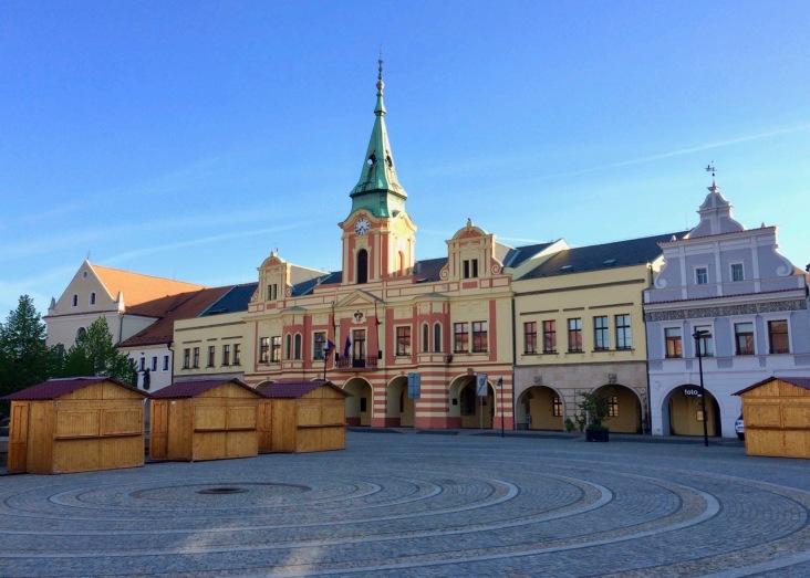 Melnik village square early morning