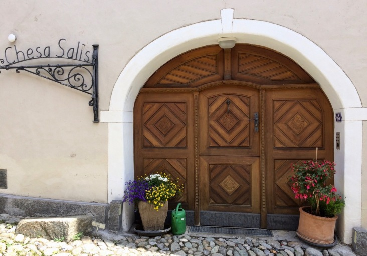 A typical Engadin door