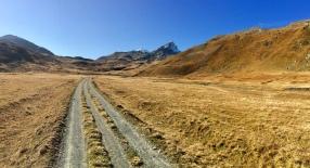 Towards Septimer Pass. An unexpected easy path.