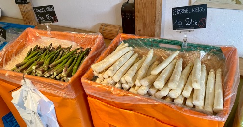 Very thick white asparagus I've never seen!