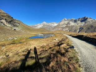 Going down from Schwarzsee to the valley of Stafel