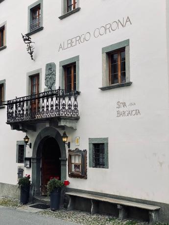 A hotel restaurant in Vicosoprano